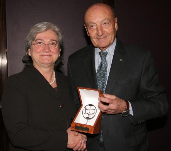 GEI-Min. Rosy Bindi honored